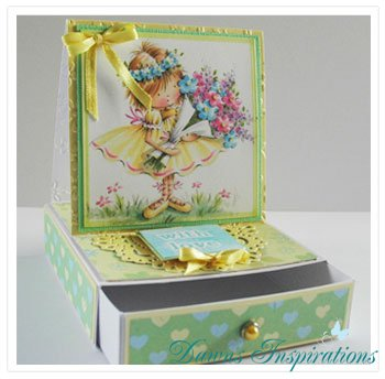 Angelica Easel Gift Draw